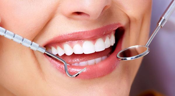 Thực hiện các bước chăm sóc da răng miệng